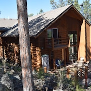Peaceful, Private log Home With Exceptional Views and Amenities
