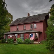 Charming Shore Acres Historic 4 Bedroom Family Retreat on Frenchman Bay