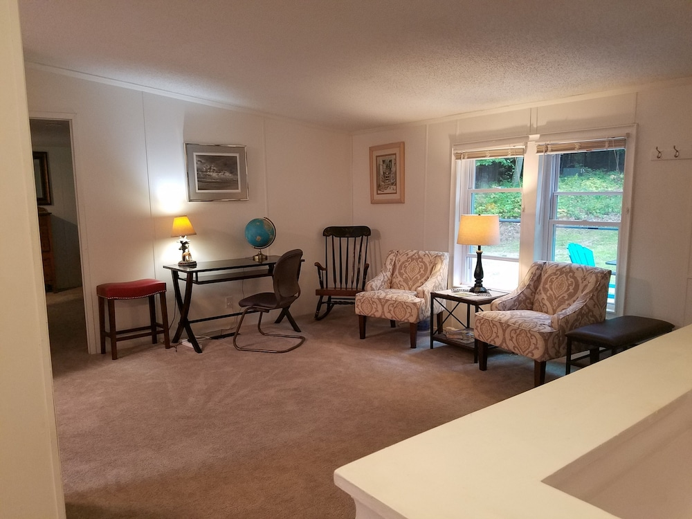 Living Room, Montague!! Flower Creek Guest House <1 MI TO Lake Michigan! & Flower Creek Dunes