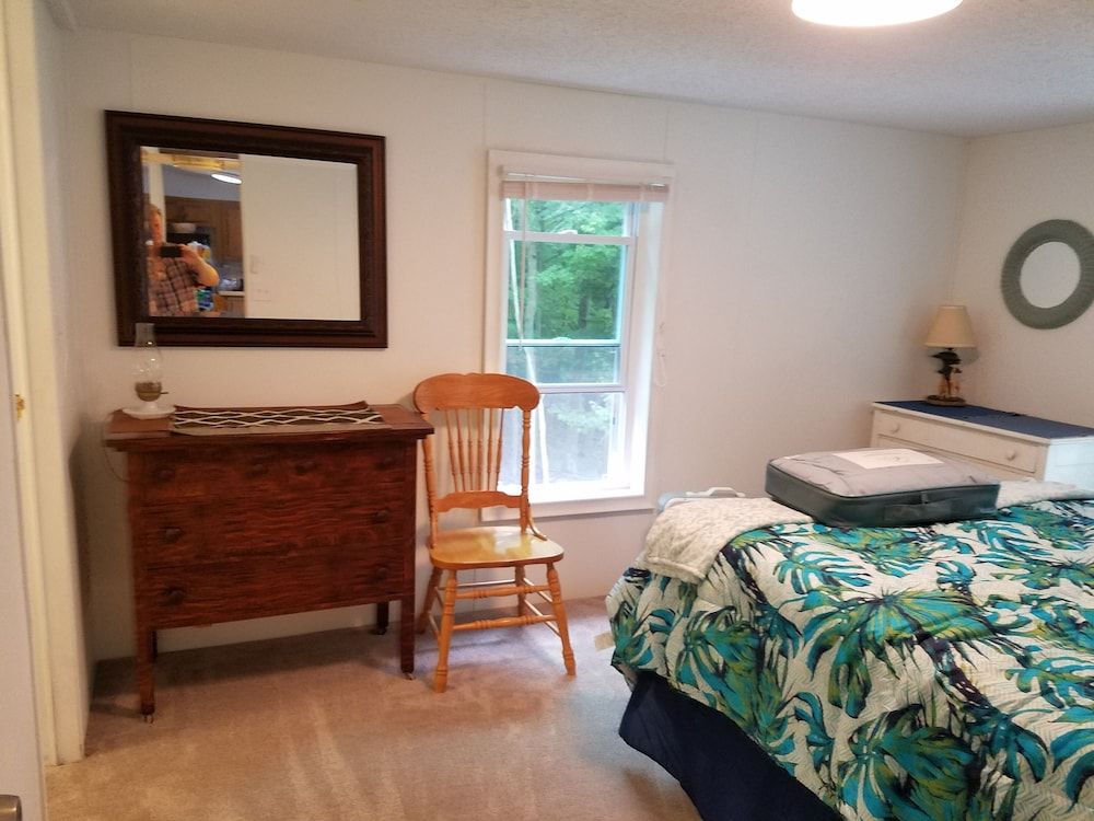 Room, Montague!! Flower Creek Guest House <1 MI TO Lake Michigan! & Flower Creek Dunes