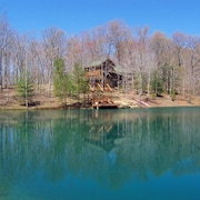 Tom T. Hall Cabin: Water Front, Secluded, Luxurious Mountain Log Home
