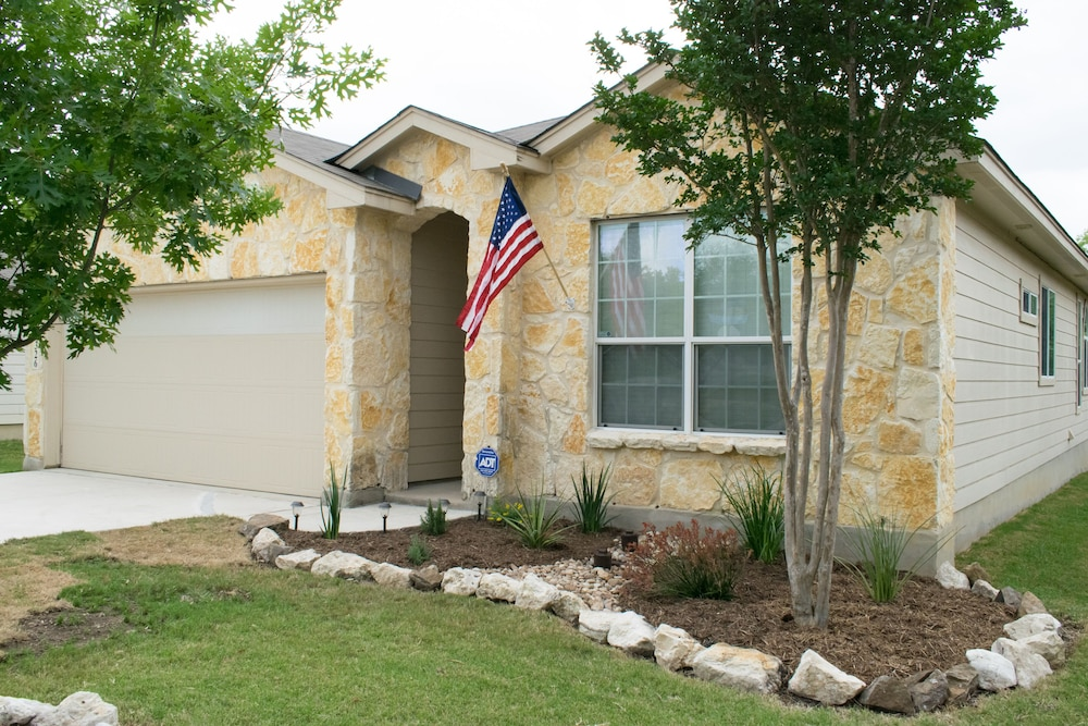 Air Force Bmt Family Haven In San Antonio Hotel Rates Reviews On