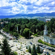 City Center With Park View