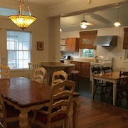 Vintage Cottage! ASK About Rentals for Less Than a Week!