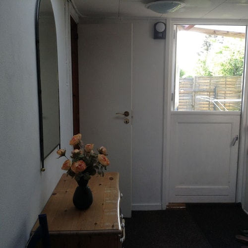 85 Km2 House At The End Of A Dead End With Parking Space And With