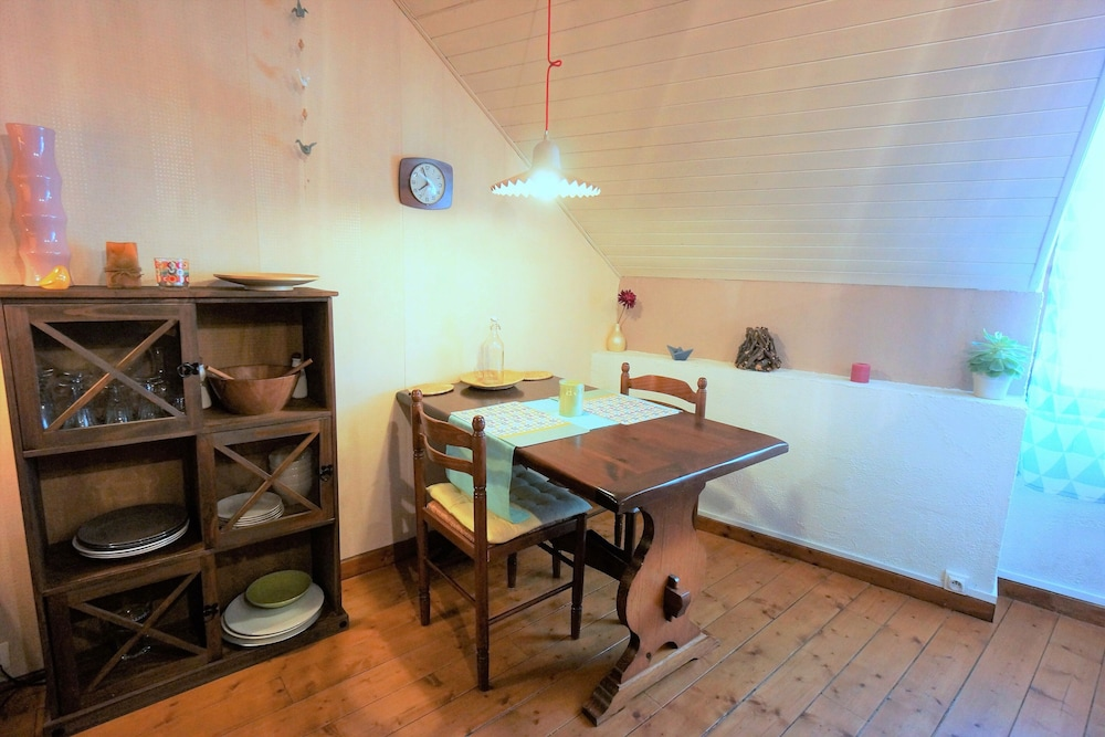Private Kitchen, Newly renovated,cosy and comfortable apartment in the Old Town center of Annecy
