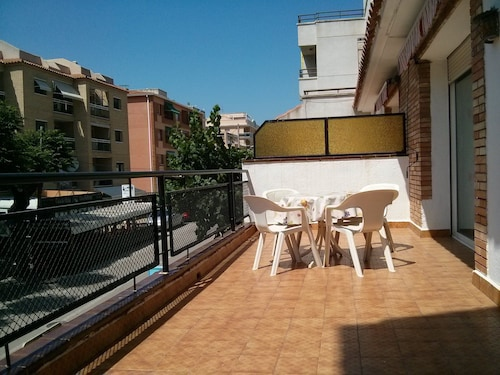 Ideal Apartment Families Very Central, Furnished, Large Terrace, 100 Meters Play