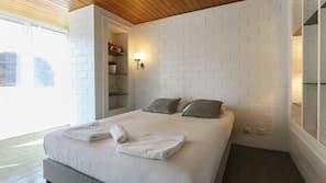 1 slaapkamer, een strijkplank/strijkijzer, gratis wifi