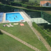 Luxury Apartment With Pool and Tennis Court. Front Beach of Usil-mogro