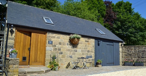 Beautiful Detached Cottage- Peak District, Derbyshire. Dog-friendly!