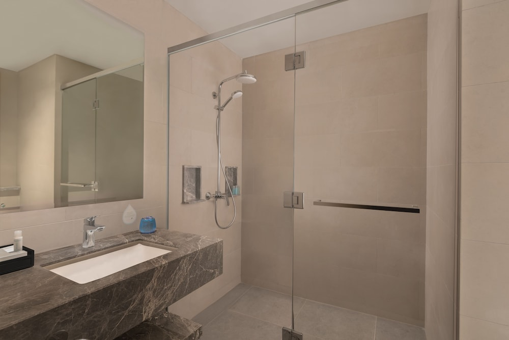 Bathroom Shower, Citadines Bay City Manila