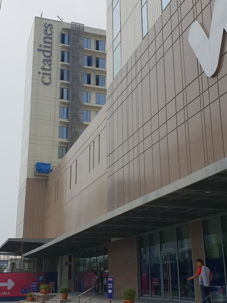 Exterior, Citadines Bay City Manila