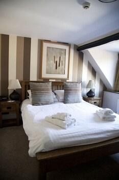 The Castle Of Brecon Hotel, Castle Square, Brecon, Powys, LD3 9DB, Wales.