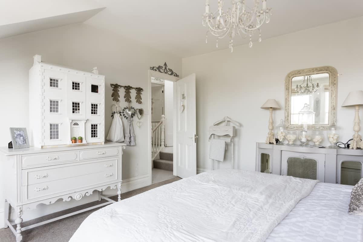 Luxury London Six Bedroom Town House Beautiful Master Bedroom Suite London Gbr Expedia Co Nz
