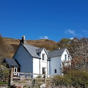 Bracara Cottage With Stunning Views of Loch Morar