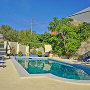 Prholidays Charming 4 Bedroom Seaview Villa With Private Pool and BBQ Area
