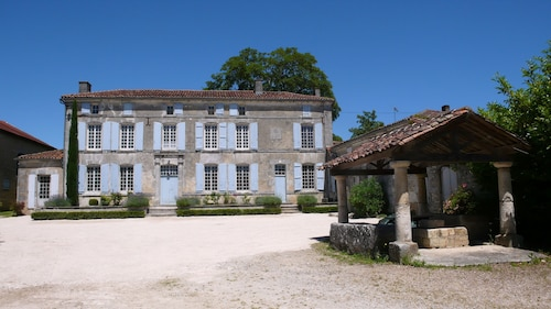 Holiday Rental House With Farmyard and Garden Near Cognac