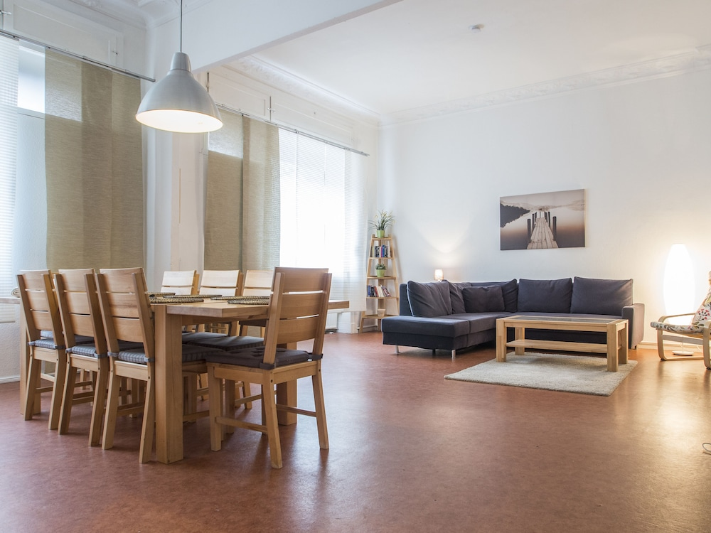 Spacious and Inexpensive Apartment Centrally Located in ...