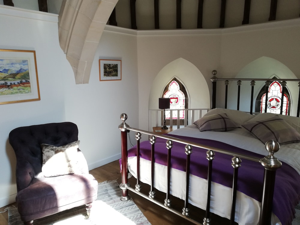 Room, Spectacular, Romantic Accommodation in an Abbey at the Shores of Loch Ness!