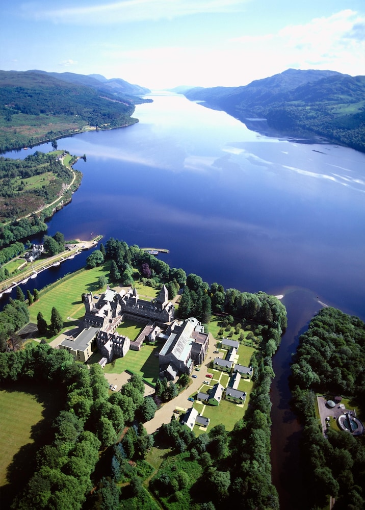 Featured Image, Spectacular, Romantic Accommodation in an Abbey at the Shores of Loch Ness!