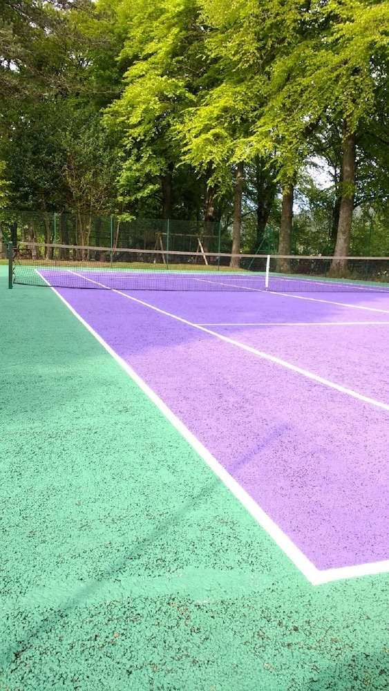 Sport Court, Spectacular, Romantic Accommodation in an Abbey at the Shores of Loch Ness!