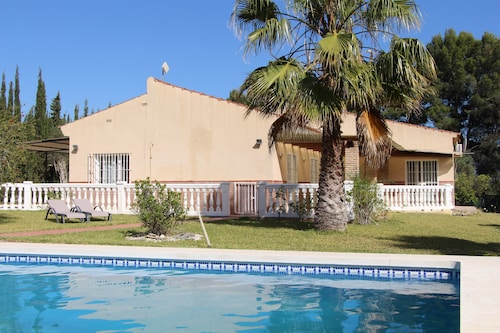 3 Bedroom Villa With Private Pool and Large Quiet Garden