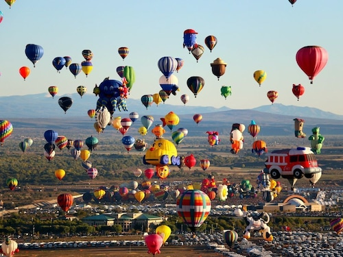 Great Place to stay Balloon Fest Luxury Villa W/resort Amenities. Close to /shopping/dining.wifi near Santa Fe