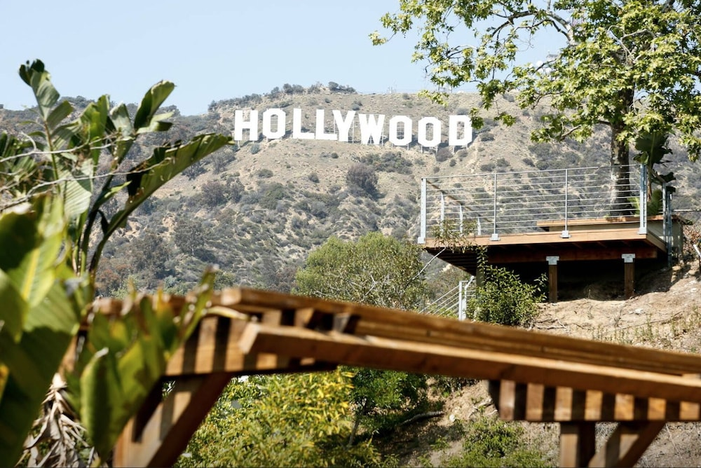 Relax On The Spacious Deck And Enjoy The Hollywood Sign And