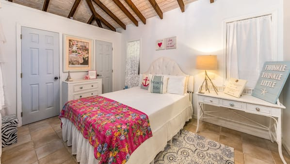 5 bedrooms, in-room safe, iron/ironing board, WiFi