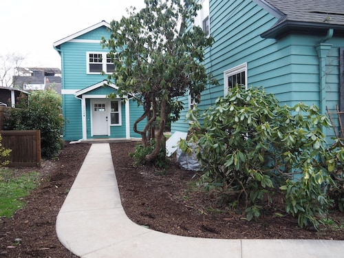 Great Place to stay Private Spacious Family Friendly Walkable 10 min From Downtown near Portland