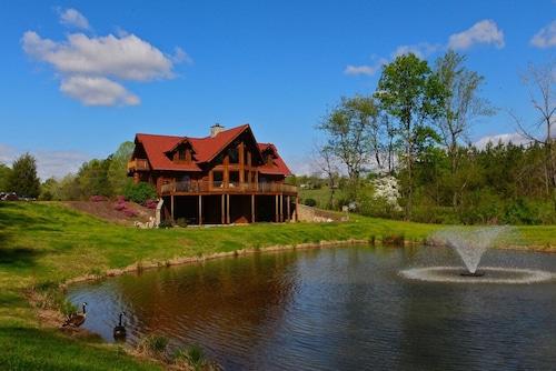 Luxury Log Cabin, 6,000 sq. ft, Mill Spring, NC, 6 Bedrooms, Sleeps 11 - 3.5 Ba