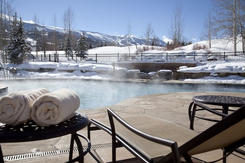Villas at Snowmass Club 1202: No Cleaning Fees. Free ASE Airport Transportation
