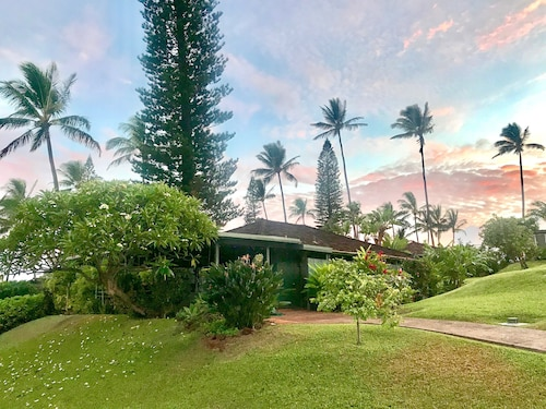 Private Ka'anapali Cottage Walk To The Beach/serene Gardens/expansive Lanai