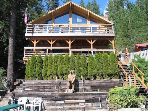 Fabulous Vacation At Twin Lakes Bear Lodge