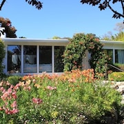 'carmel Tranquility' 2 Beaches a Short Walk From This Rose Garden Home