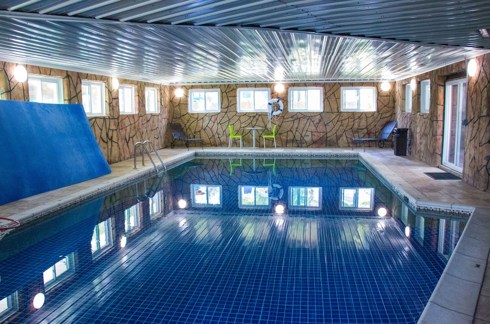 Indoor Outdoor Pools Hot Tub Arcade Putting Green Children S Playground In Nashville Hotel Rates Reviews On Orbitz