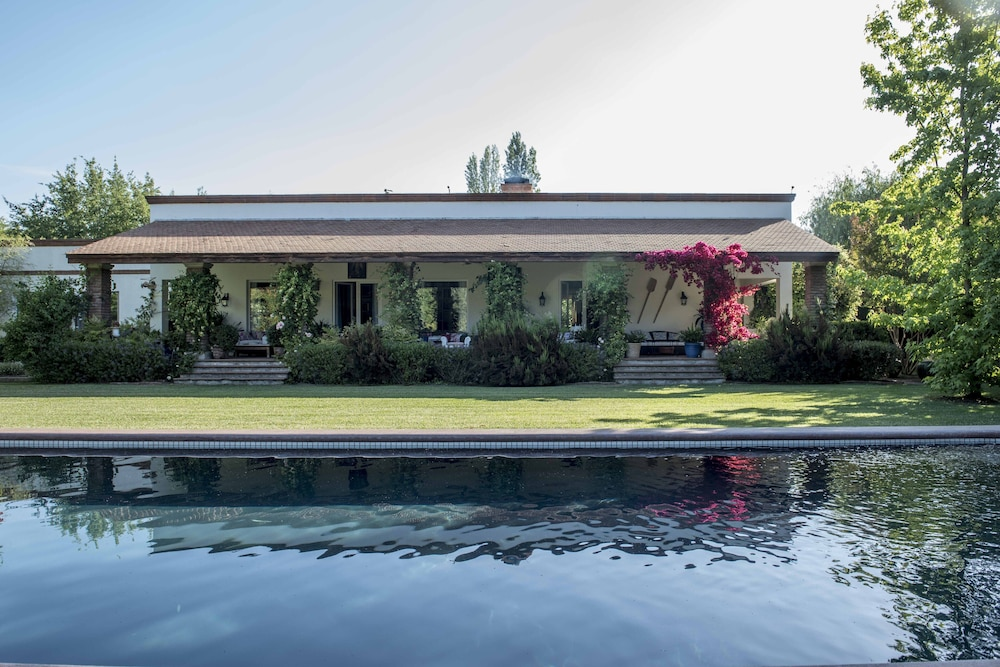 Featured Image, Ideal Luxury House in the Chilean Wine Valley