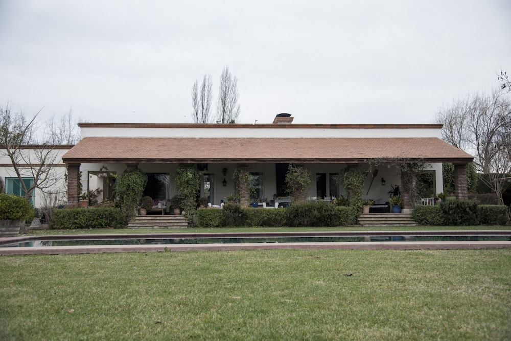 Exterior, Ideal Luxury House in the Chilean Wine Valley