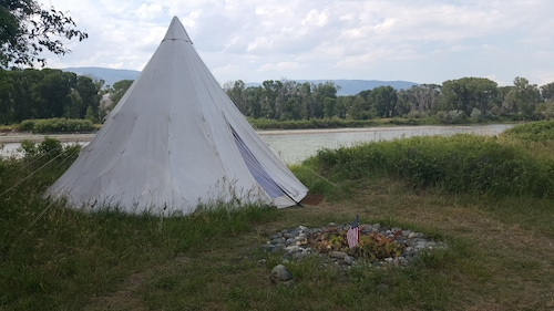 Yellowstone River Front -tipi Chief Joseph