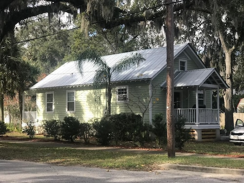 A NEW Coastal GEM IN THE Historic District! Close TO Beaches AND Downtown Charm!