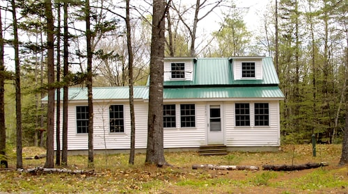 Great Place to stay Quaint, Rustic, Quiet Retreat near North Chatham