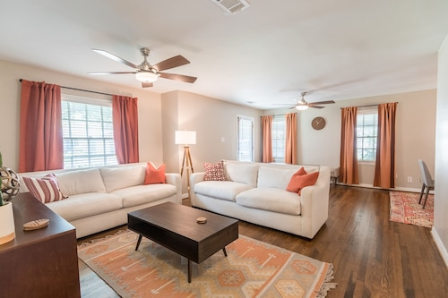 Great Place to stay Beautifully Furnished Home, Conveniently Located Near Tcu! near Fort Worth