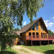 Large Stunning Cottage - 2 Beach Access Points to Beautiful Lake Huron