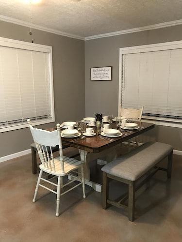 Featured Image In Room Dining ...