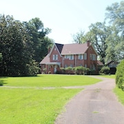 Honey Hill B&B Carriage House. A Historic Home Less Than 1/2 Mile From Downtown