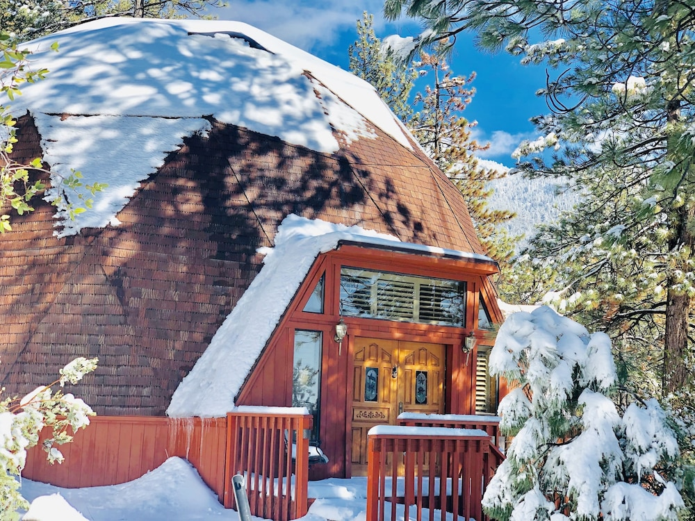 Unique, Fabulous Geodesic Dome Cabin  Mid-century Modern