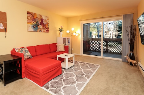 Cozy Clean 2br/2ba Condo for Business Travel Near Santana Row in San Jose
