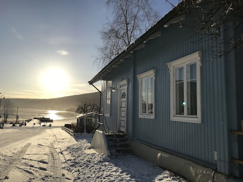 Lake Side House at Lillehammer Sleeps 6 Persons