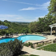Stunning Luxury Ranch Pool, Tennis, Wine Country, Hiking, Incredible Views
