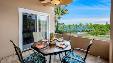 Stunning Modern Condo Across Street from Turtle Beach, Learn to Snorkel or Surf!